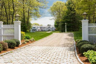 Photo of 285 Baxters Neck Rd, Barnstable, MA 02648