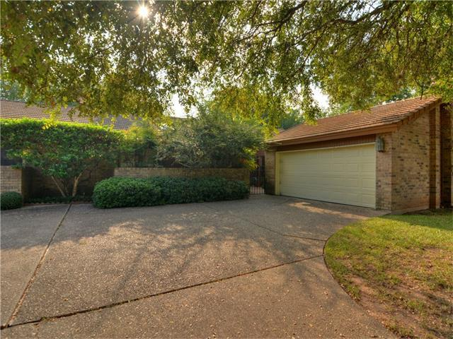 10801 Pinehurst Dr #B, Austin, TX 78747