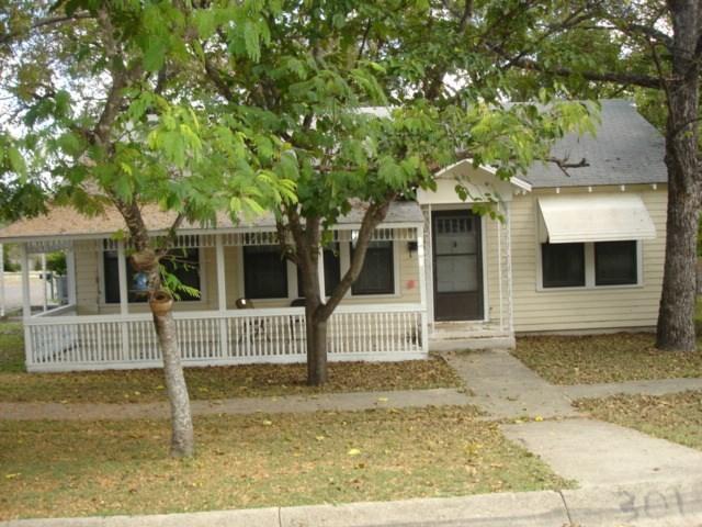 301 S Spring St, Lampasas, TX 76550