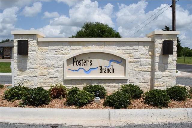 105 Foster's Branch Dr, Schulenburg, TX 78956