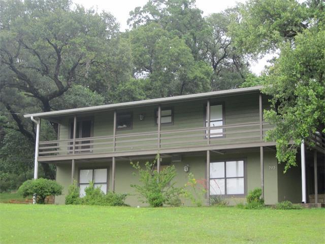 702 N Washington St, La Grange, TX 78945