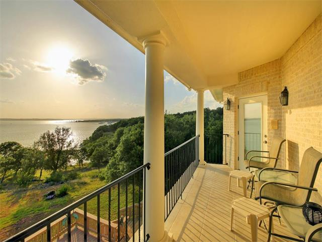 220 Rachel Dr, Canyon Lake, TX 78133
