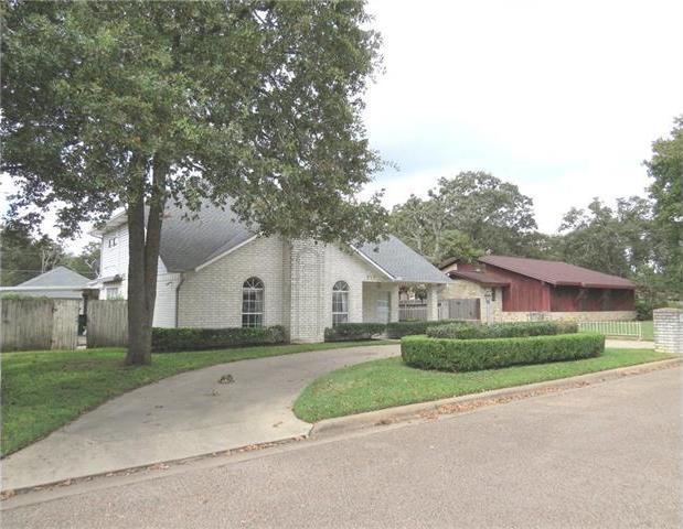 717 Middleton St, Rockdale, TX 76567