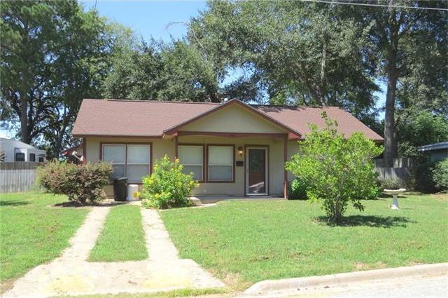 906 Haley Ave, Rockdale, TX 76567