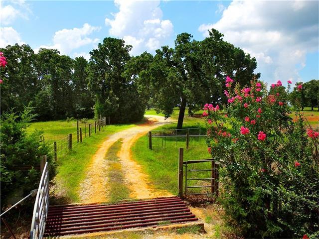 1569 Highway 21, Paige, TX 78659