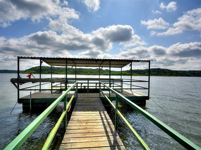 103 Lakeside Dr, Spicewood, TX 78669