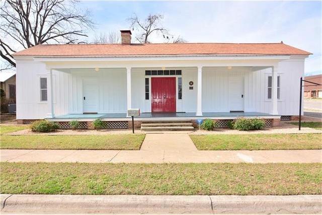 1106 Pecan St, Bastrop, TX 78602