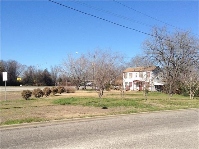 650 S Main St, Giddings, TX 78942