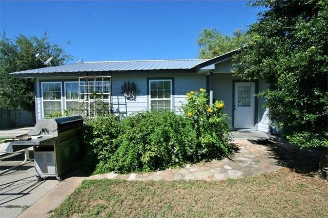 1101 Elkhorn Dr, Kingsland, TX 78639