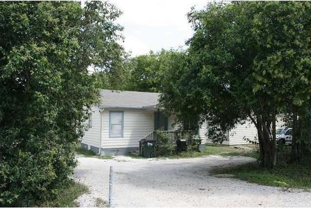 106 W Austin St, Kyle, TX 78640