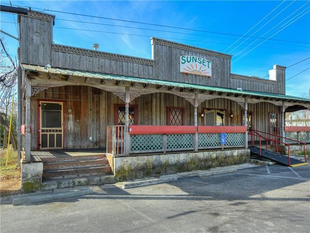 419 3rd St, Blanco, TX 78606