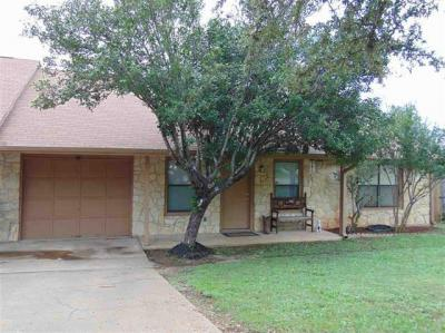 Photo of 908 Loma Ln, Marble Falls, TX 78654