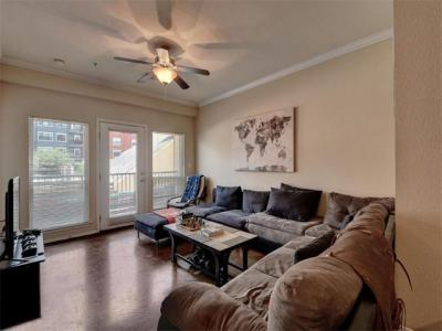 Photo of 910 W 25th St #201, Austin, TX 78705