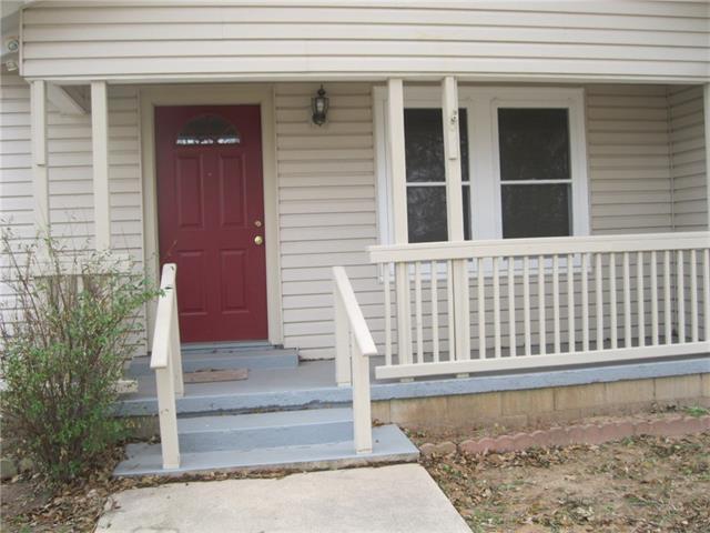 893 Alcoa Ave, Rockdale, TX 76567