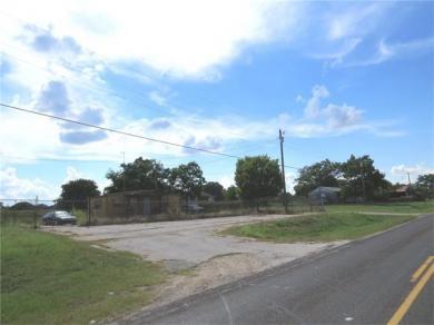 163 N F M 908, Rockdale, TX 76567