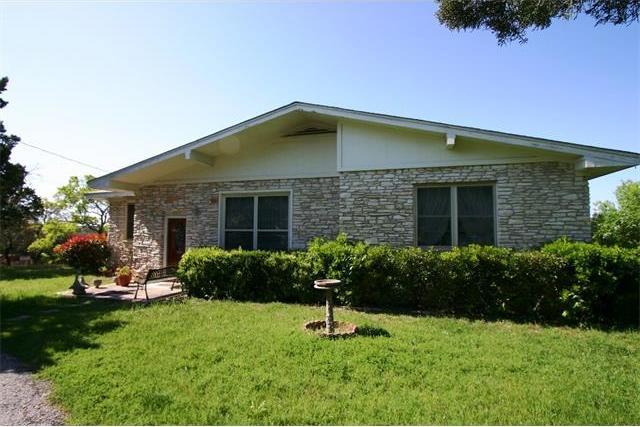 8427 Grandview Dr, Jonestown, TX 78645