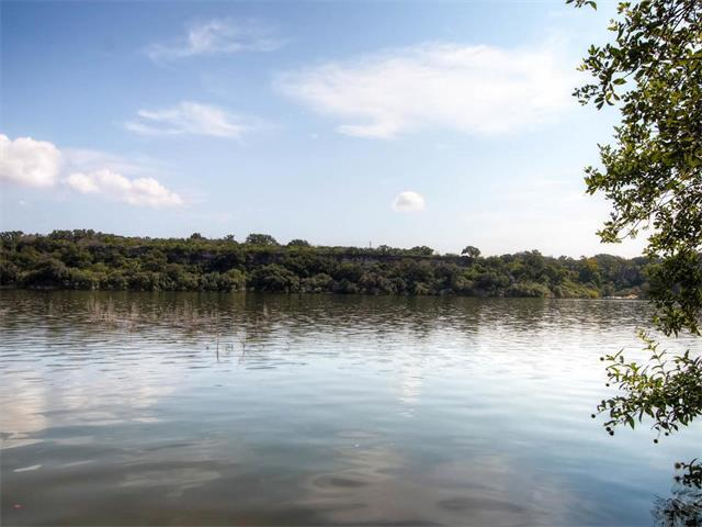 1215 Lake Shore Dr, Spicewood, TX 78669