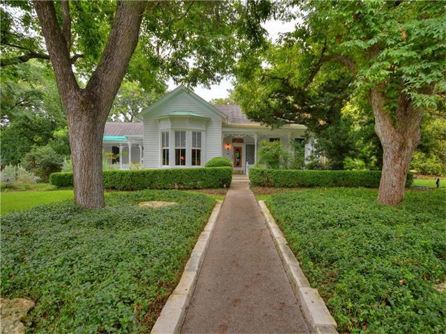 581 W Coll St, New Braunfels, TX 78130