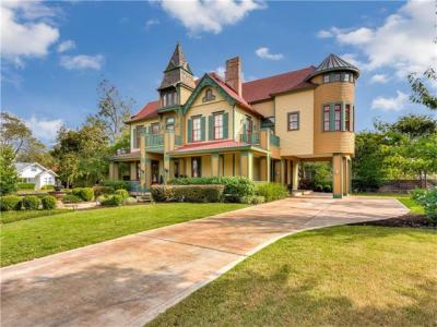 Photo of 803 S College St, Georgetown, TX 78626