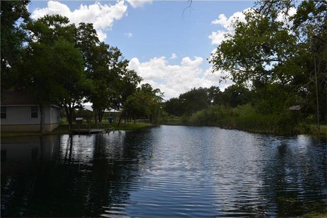 804 Rolling Oaks Dr, Luling, TX 78648