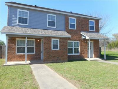 Photo of 306 Anderson St, Smithville, TX 78957