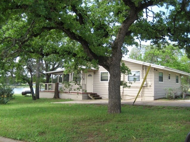 1809 Spring St, Tow, TX 78672