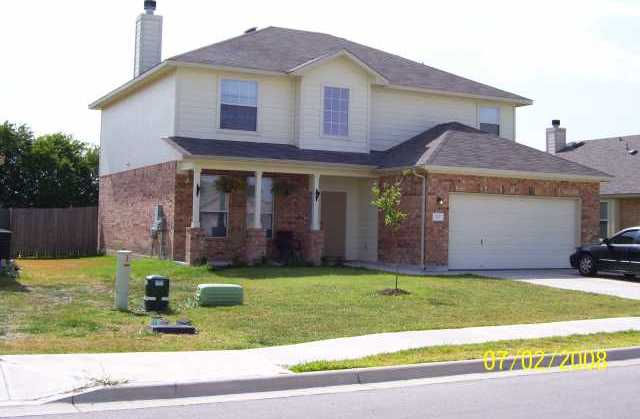 127 Gainer Dr, Hutto, TX 78634