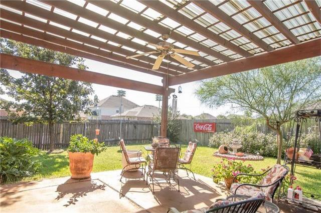206 Bubbling Brook Dr, Hutto, TX 78634