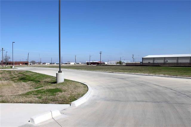 1816 S Colorado St, Lockhart, TX 78644