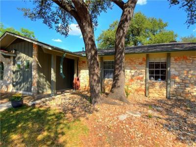 Photo of 10033 Woodland Village Dr, Austin, TX 78750