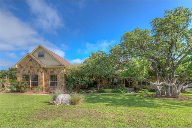 204 Circle Oaks Dr, Burnet, TX 78611