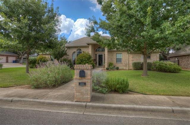 305 Elmwood Dr, New Braunfels, TX 78130