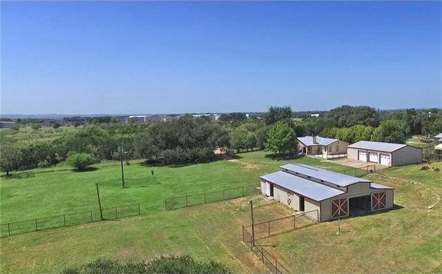923 Exeter Rd, Spicewood, TX 78669