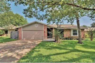 Photo of 11206 Iron Oak Trl, Austin, TX 78750