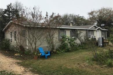 130 Woods View Ct, Cedar Creek, TX 78612
