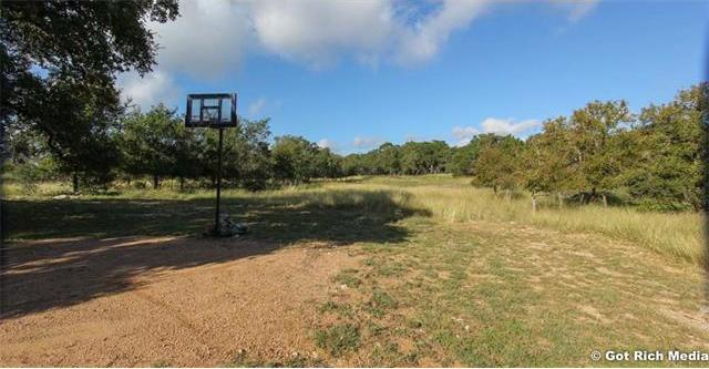 480 Green Acres Dr, Wimberley, TX 78676
