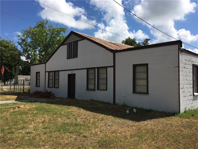 1322 Hondo St, Lockhart, TX 78644