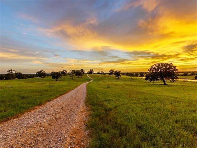 7821 N Highway 77, Lexington, TX 78947