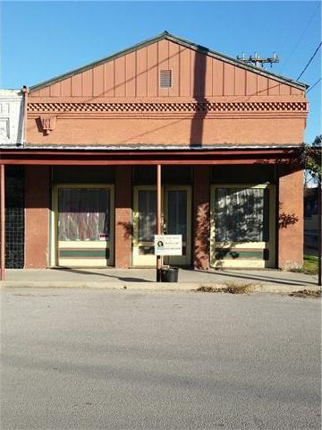130 N Evie St, Bartlett, TX 76511