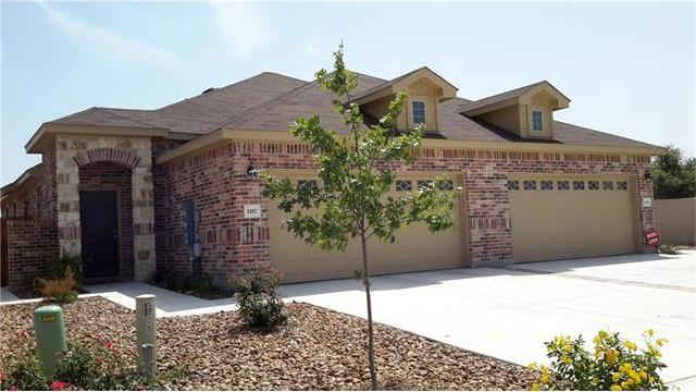120-122 Hidden Springs Dr, Bastrop, TX 78602