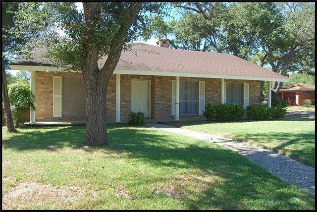 413 S Williams Ave, Giddings, TX 78942