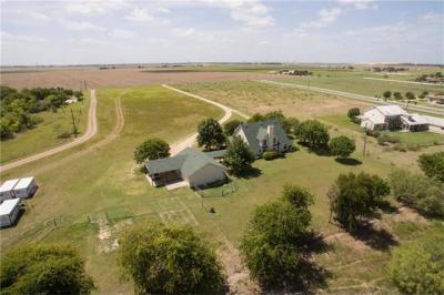 Photo of 925 County Road 101, Hutto, TX 78634