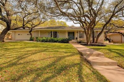 Photo of 7620 Rockpoint Dr, Austin, TX 78731