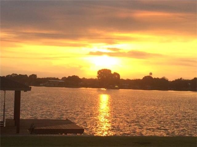 536 E Lakeshore Dr, Sunrise Beach, TX 78643