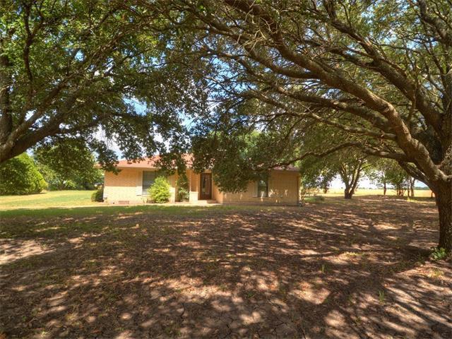 22560 Hunt Jones Rd, Bartlett, TX 76511