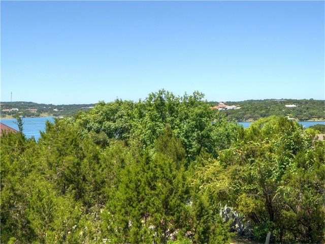 145 Lakefront Dr, Point Venture, TX 78645