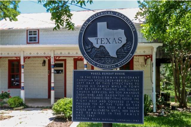 418 W Austin St, Fredericksburg, TX 78624