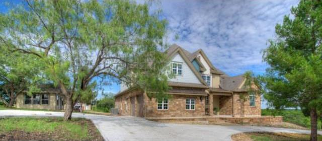 127 Gabriel Meadows Dr, Hutto, TX 78634