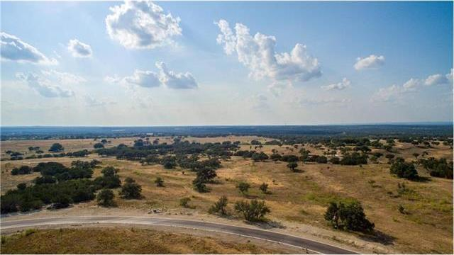 112 Rock Bend Ct, Spicewood, TX 78669
