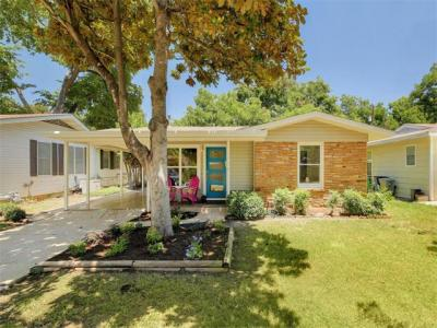Photo of 1704 Aggie Ln, Austin, TX 78757